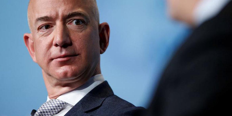 Jeff Bezos blijft de rijkste persoon
