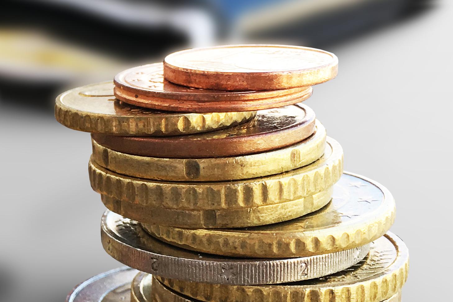 Een cashloze maatschappij: betalen voor geld opnemen