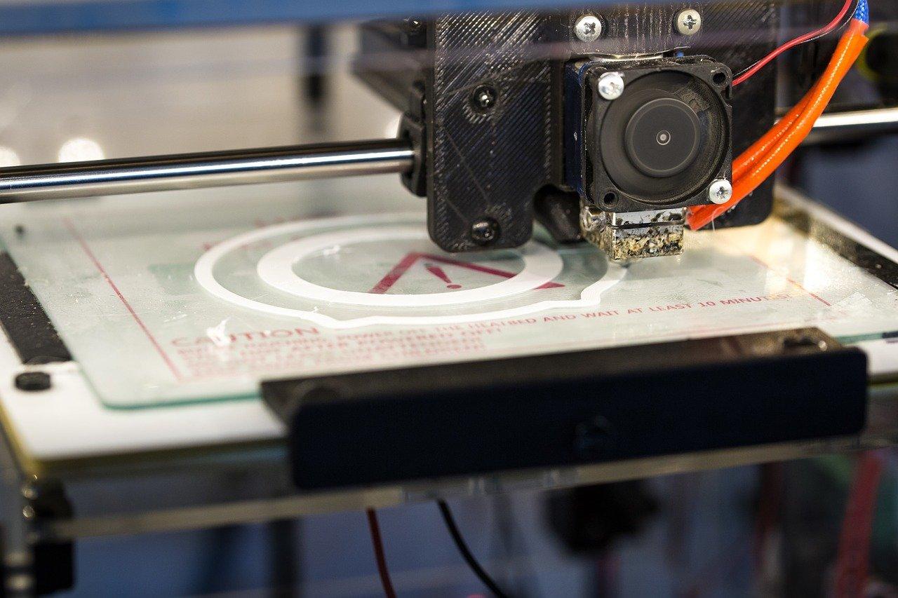 Eerste bewoner van ge-3D-print huis krijgt sleutel