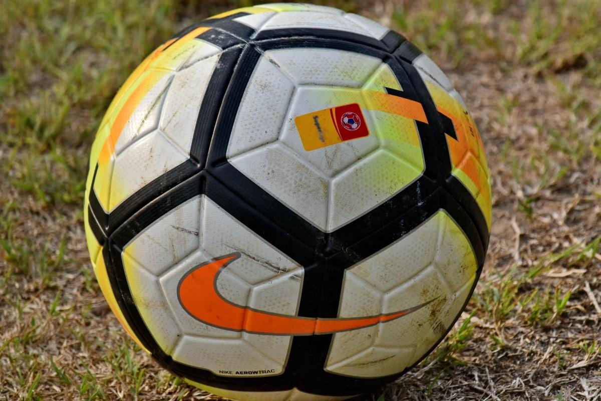 De voetbalwereld reageert op de Super League